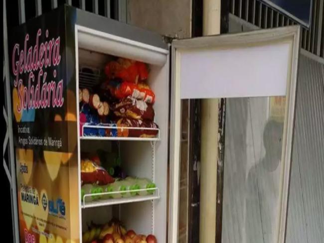 """'Geladeira Solidária"""" alimenta quem mais precisa em Maringá (PR)"""