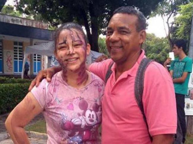Filha e pai faxineiro são aprovados juntos em universidade federal