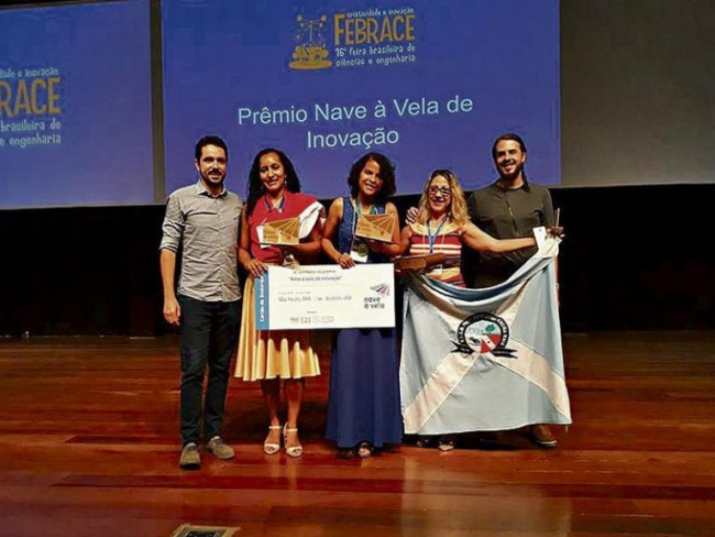 Pesquisa de aluna brasileira sobre lixo é premiada e vai para os EUA