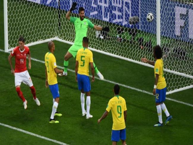 Seleção brasileira tem três dias pra corrigir erros da estreia na Copa