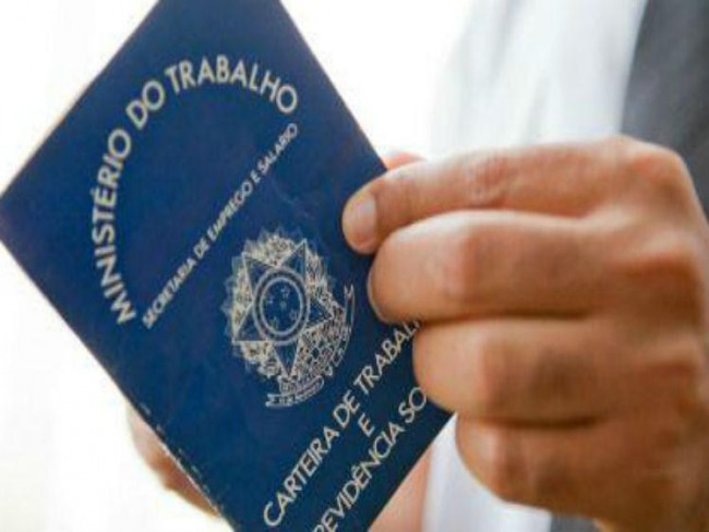 Brasileiro desiste rapidamente de procurar emprego, diz IBGE