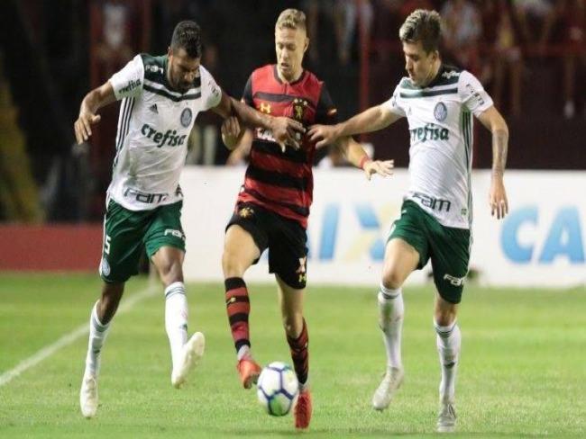 Willian resolve no primeiro toque e Palmeiras derrota Sport na Ilha