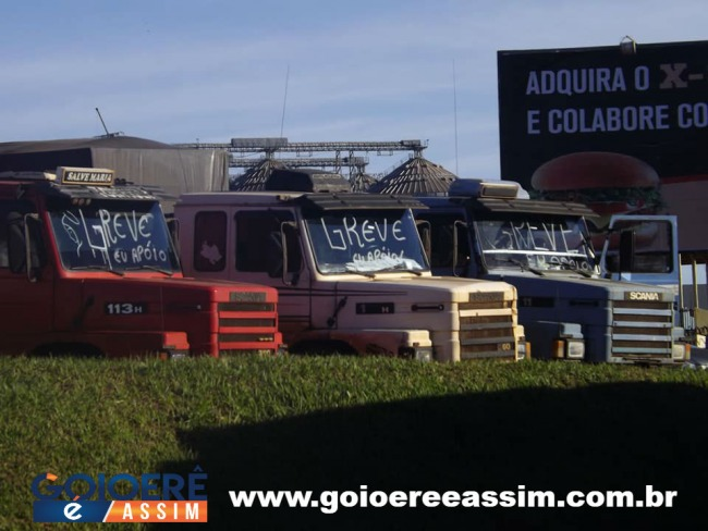 Caminhoneiros de Goioerê aderem a greve e fazem protesto na PR- 180.