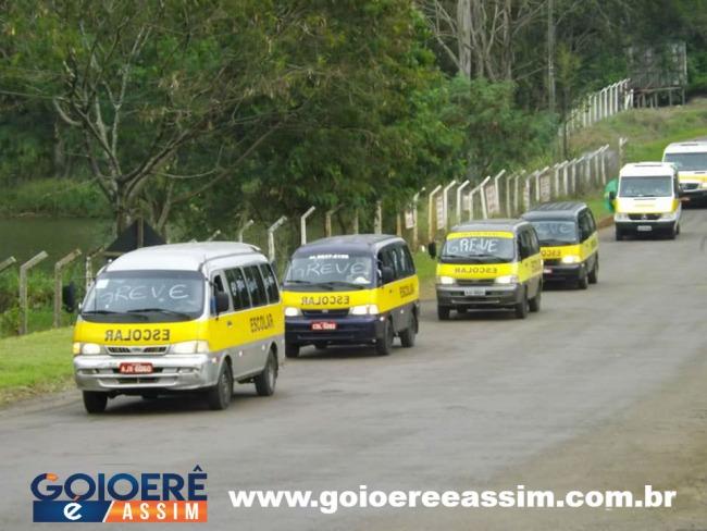 Motoristas de Vans em Goioerê participaram da carreata em apoio a greve dos caminhoneiros