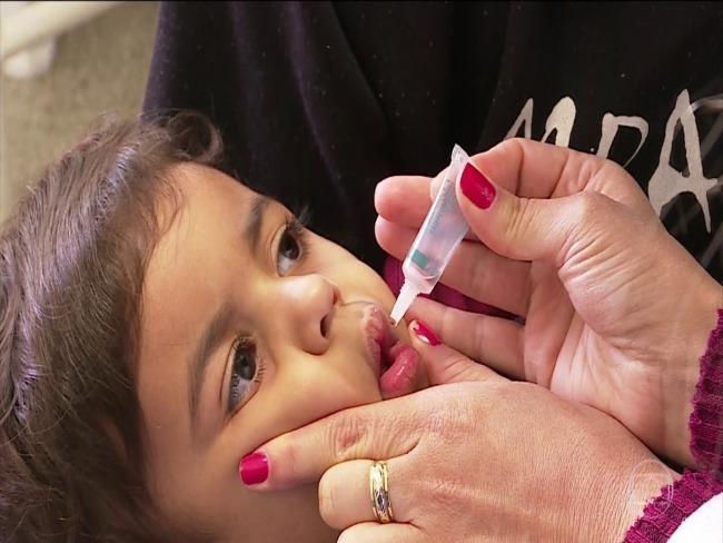 Dia D de vacinação contra poliomielite e sarampo acontece neste sábado em todo o Brasil