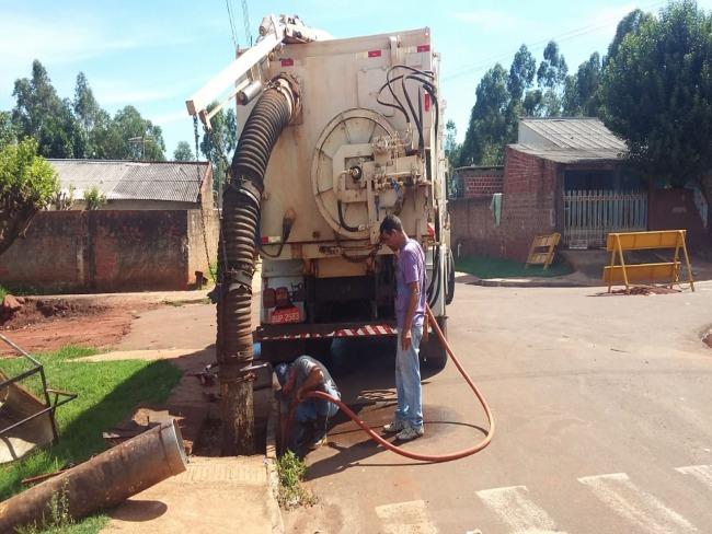 Prefeitura iniciou a limpeza de todos os bueiros de Goioerê