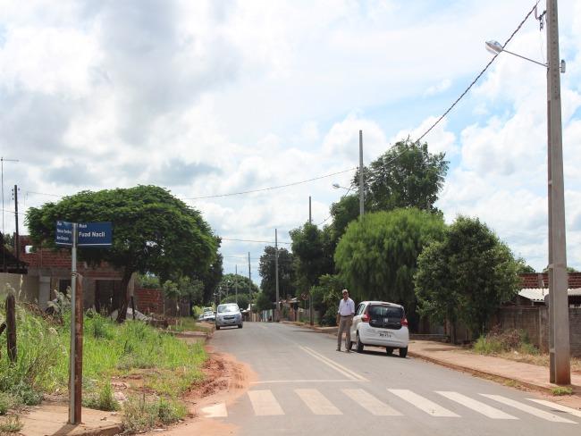 Prefeitura realizou extensão de redes de iluminação nos bairros de Goioerê