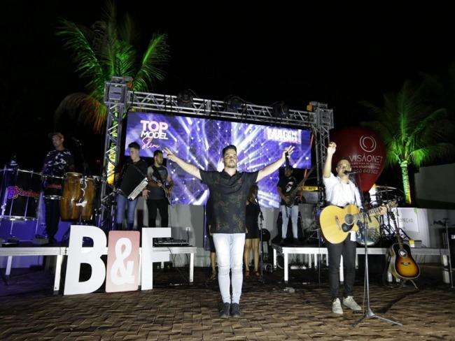 BRUNO E FERNANDO: Live em Prol ao Centro Santa Clara reuniu cantores e músicos de Goioerê e Região