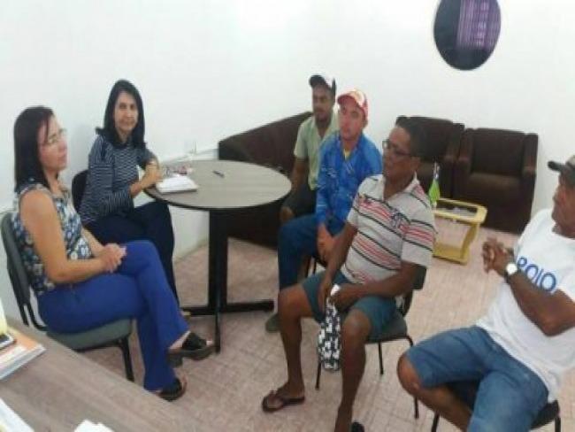 Prefeita Ceiça Dias e a Secretária de Saúde Walmarya  Moura participam de reunião e falam do código de postura