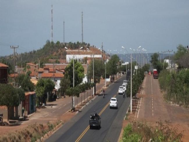 Bairros da zona leste de Picos continuam com problemas no abastecimento de água