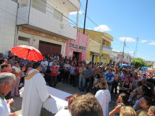 Em Piancó missa é celebrada mensalmente  com os feirantes no centro comercail
