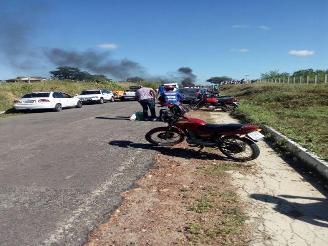 Protesto em Serrita marca a manhã desta segunda(21/05) na PE 507 que dá acesso a Missa do Vaqueiro