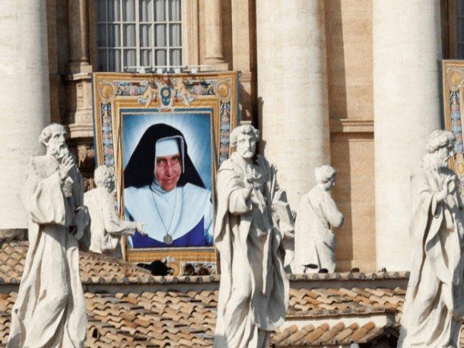 Papa canoniza Irmã Dulce, a primeira santa brasileira