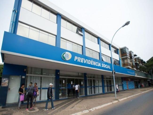 Governo ameaça peritos do INSS com abertura de processo disciplinar por falta de trabalho presencial