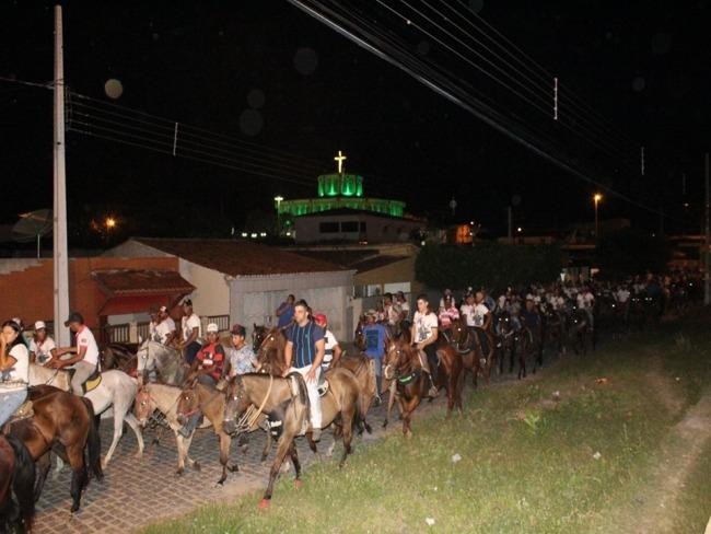 Piancó realiza a II Cavalgada de Santo Antônio e Missa do Vaqueiro